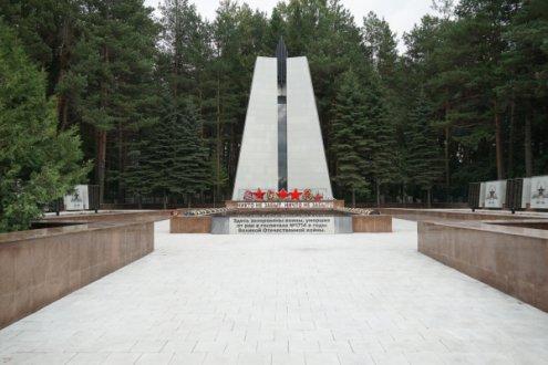 Мемориальный комплекс, посвященный воинам, умершим от ран в госпитале №1714 с 1942 по 1946 г. «Мемориал Руш», поселок Отрадный